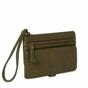 🔴4/$25 Time and tru green maisie wristlet wallet